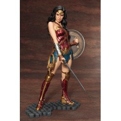 WONDER WOMAN - STATUA